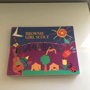 VINTAGE 1993 Brownie Girl Scout Handbook